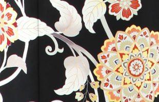 華文の柄のレンタル黒留袖