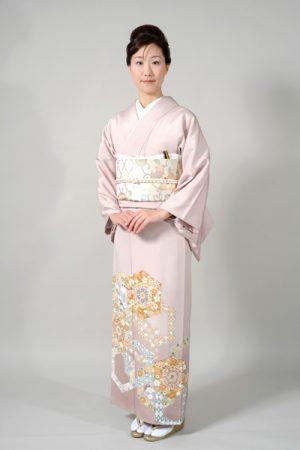 新作最高級色留袖 地色:淡い藤ピンク